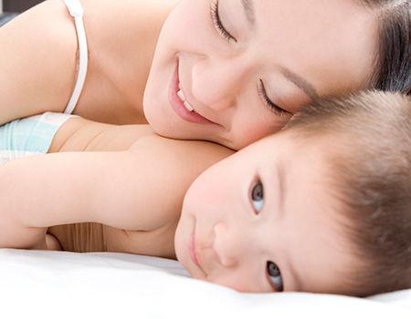 妈须知 什么样的睡姿会让宝宝更聪明