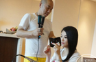 李湘活动前化妆