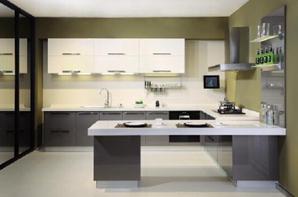强烈对比开放式厨房 高大上厨电增色现代感