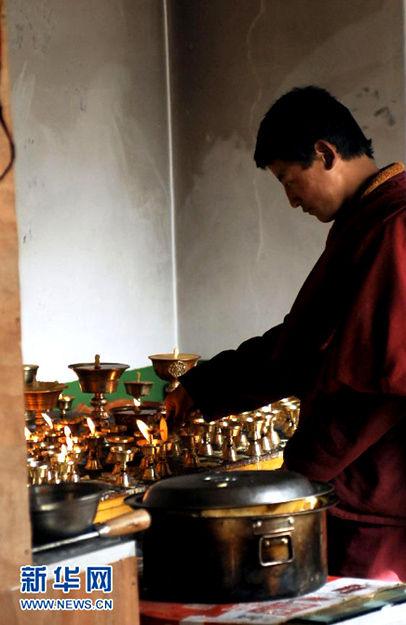 实拍 藏族小和尚真实生活