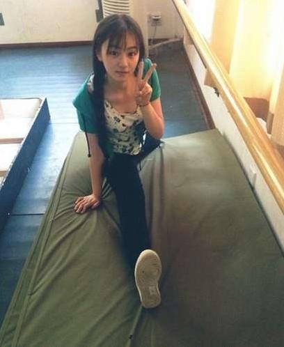 武大女神黄灿灿网络走红