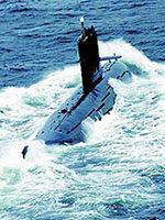 《潜水艇巡航》