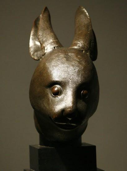 资料图片:兔首铜像.新华社记者 -法国皮诺家族宣布将所购圆明园兽