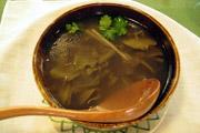 长夏时节养生汤品:海带绿豆煲猪脊骨