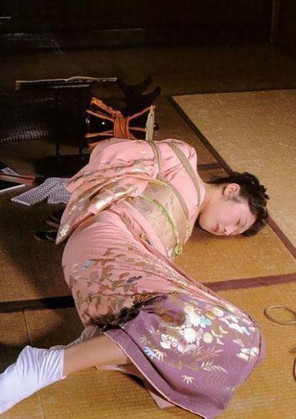 一窥日本女性自虐文化