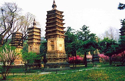 北京潭柘寺古老建筑