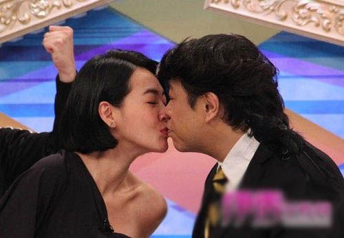 性情:蔡康永小S大尺度接吻 没有性趣就无需避讳吗