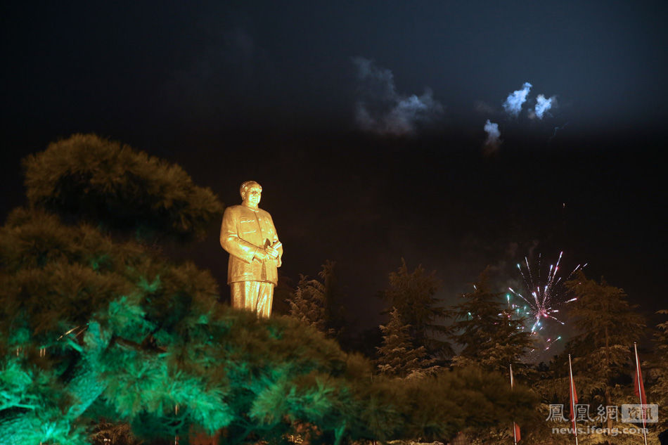 原哈尔滨车辆工厂的毛主席塑像 - wzx - 话说哈尔滨―天鹅项下的珍珠城