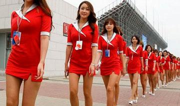 大批韩国车模转职游戏代言