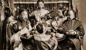 """一百年前中国有钱人的""""幸福""""生活"""