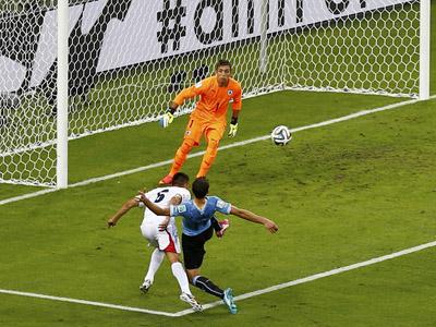 杜阿尔特头球破门 哥斯达黎加2比1乌拉圭