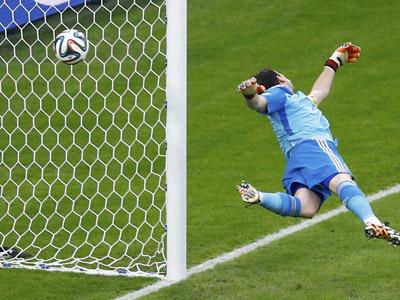 阿兰吉斯补射再下一城 智利2-0送卫冕冠军回家
