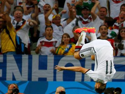 德国2比2加纳 克洛泽抢点破门扳平比分