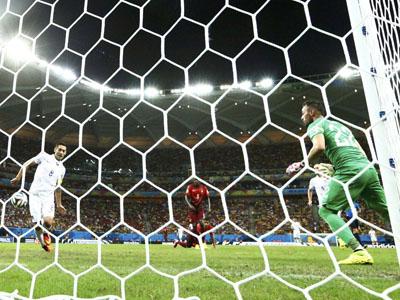 邓普西中路包抄腹部撞球破门 美国队2-1反超葡萄牙