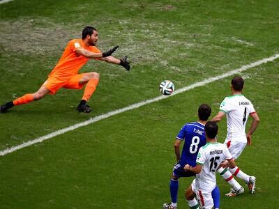 皮亚尼奇低射 波黑2-0伊朗