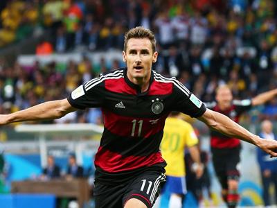 克洛泽封神克罗斯2球 德国7-1屠巴西进决赛 集锦