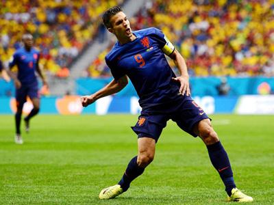 罗本制造争议点球 范佩西一蹴而就荷兰1-0巴西