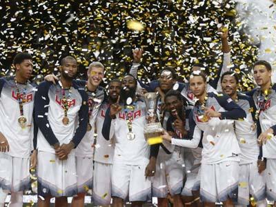 冠军美国队颁奖仪式 哈登领群星戴金牌摇臀热舞