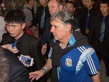 阿根廷主帅马蒂诺抵京