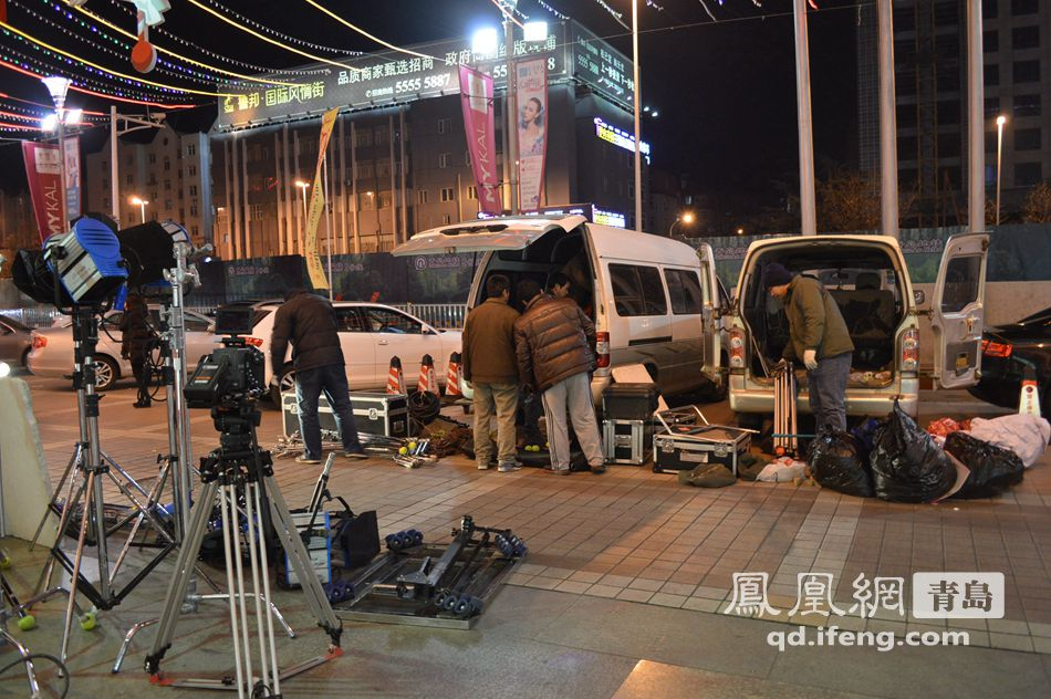 赵四微�ynozn�9b�9�yi)�aj_no.8/8 微电影剧组拍摄地转战麦凯乐 ,生活场景显平凡之情.