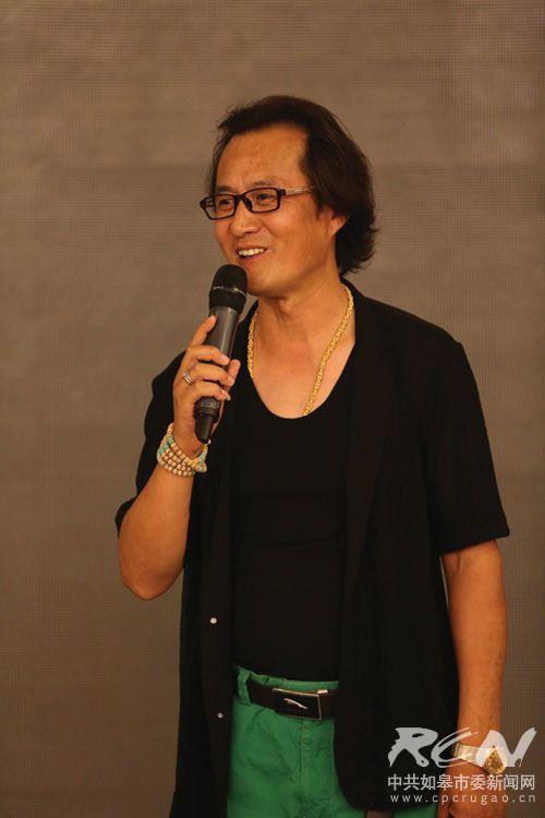 歌手李刚:坎坷人生路 不变音乐情