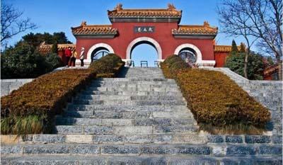 徐州动物园对60周岁及以上老人凭身份证给予免门票.