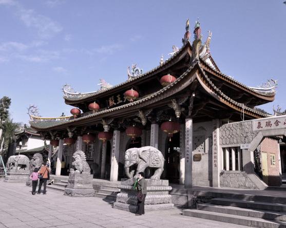 南普陀主体建筑修缮完工 千年古刹仍保持闽南风貌