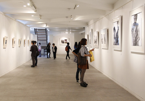 """""""行走·发现""""2013年北京电影学院摄影学院作品展图片"""