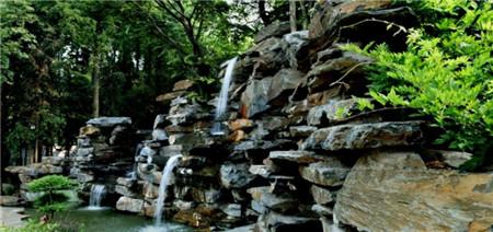 石莲洞国家森林公园位于安徽,湖北,江西三省交界,在安庆市宿松县城郊