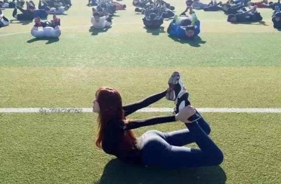 韩国美女体育老师爆红网络