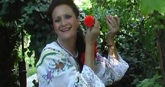 罗马尼亚女歌手守贞60年欲破处:看开了