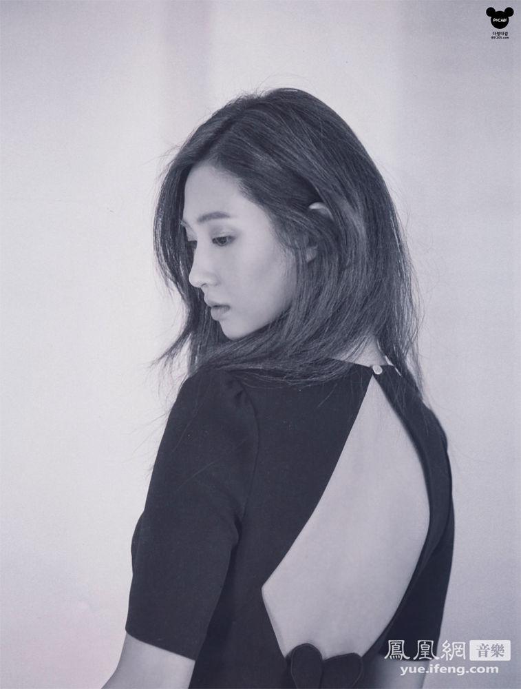 少女时代权侑莉Yuri黑白写真 紧身高领秀性感