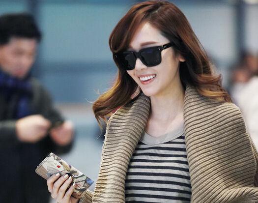 Jessica回韩被批忘本:中国对我张开怀抱