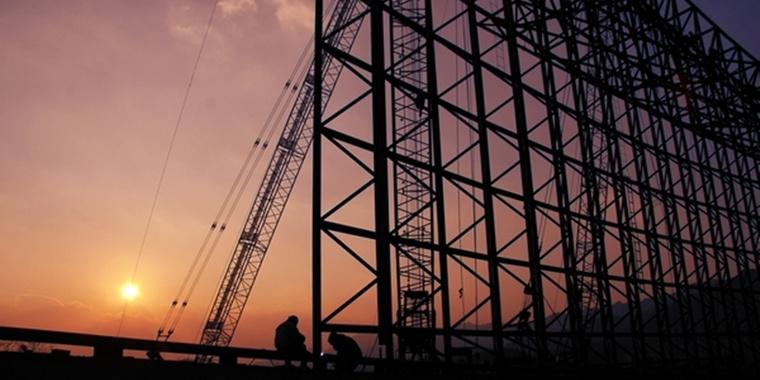 黄昏中的世园会建设工地
