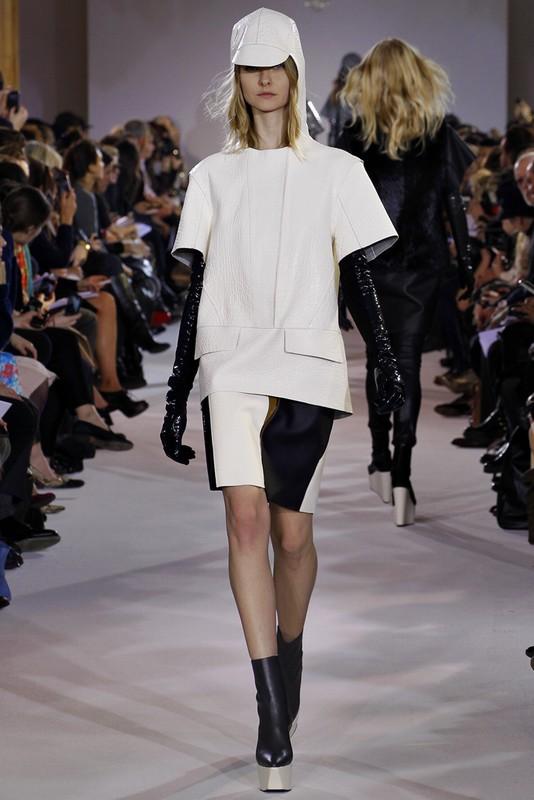 重量感十足的皮革运用 Felipe Oliveira Baptista 2012秋冬发布