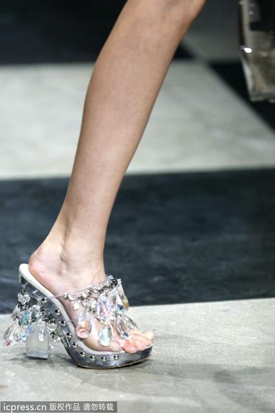 脚模需穿得进窄型的鞋