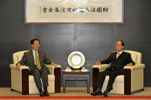 宁夏回族自治区党委书记、人大常委会主任李建华会见了海基会董事长