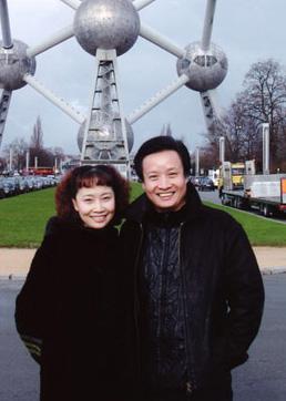 阎维文20多年呵护癌症妻子 患难时刻见真情