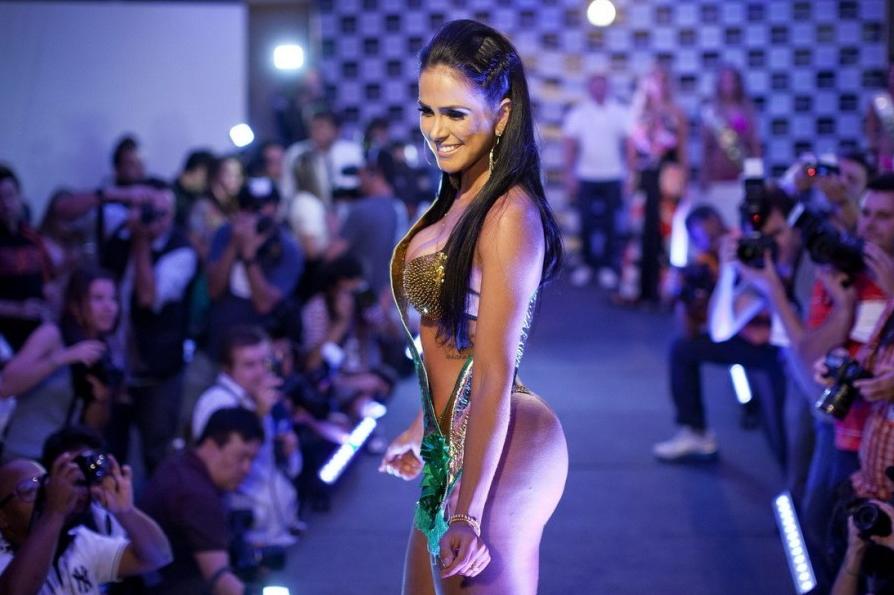 图揭巴西美女性感美臀照组图