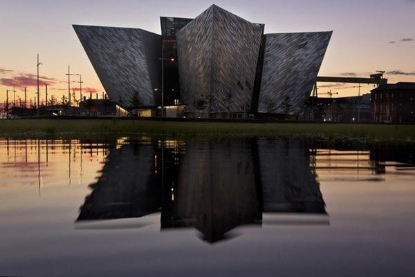 百年记忆封存于此     泰坦尼克贝尔法斯特纪念馆