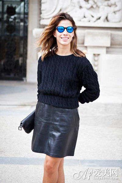 套头毛衣+短裙 秋装显瘦温暖搭配