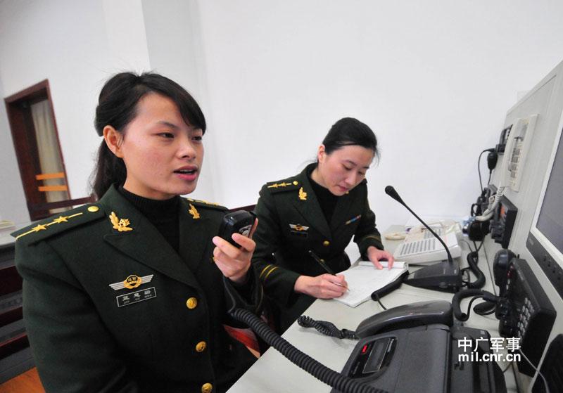 福建边防女海警:海警部队首个女艇长英姿飒爽