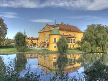 圆形欧式古堡
