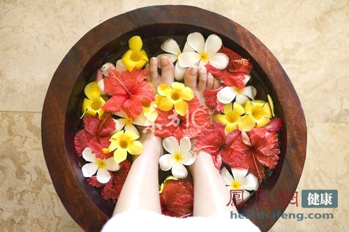 中医泡脚功效多 不同药材效果也不同