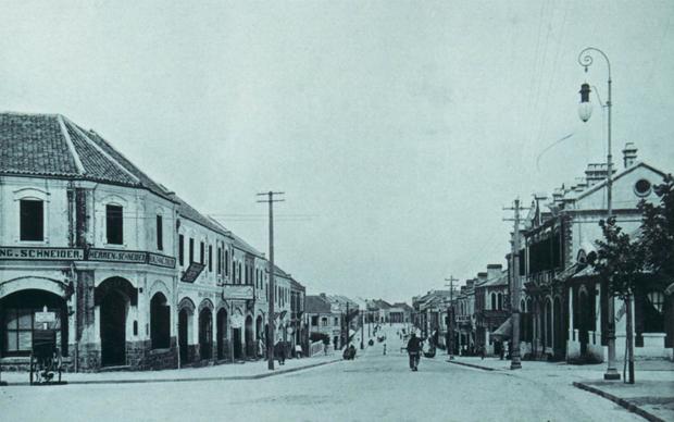 中山路北段位于华人区,称山东街。