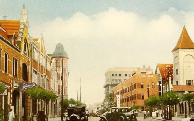 """20世纪三四十年代的中山路被称为""""山东第一商业街""""。"""
