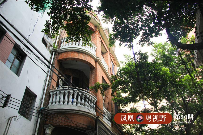 杏花巷社区内部分建筑保持着一定的民族特色。