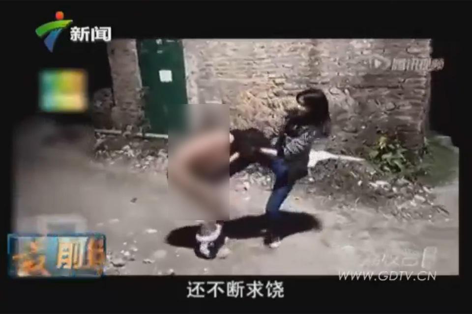 广东清远初中女生遭同龄人脱光暴打图 广州