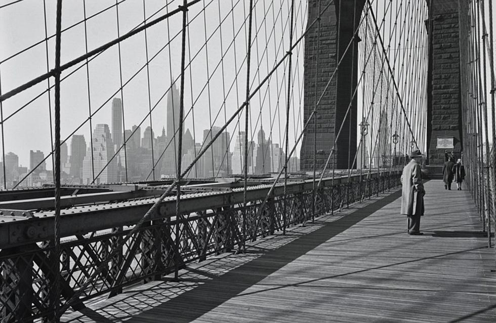 拍摄的图中还能看到克莱斯勒大厦,而70年后,这里已被其他建筑高清图片