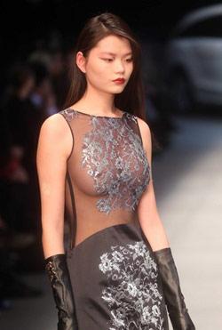 中国国际时装周 模特真空上阵搏眼球